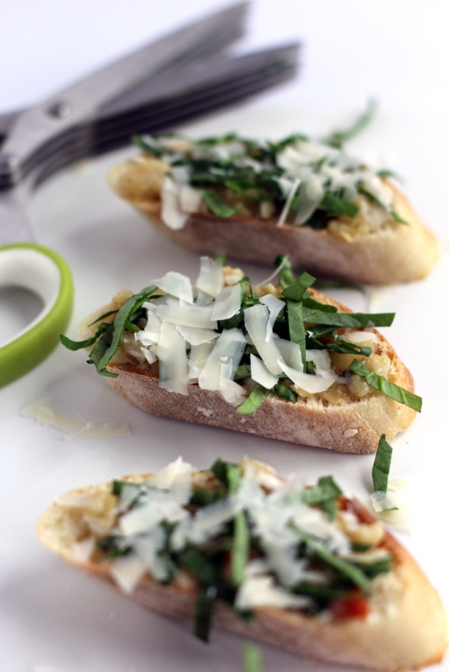 Spinach Artichoke Parmesan Crostini 6_MM